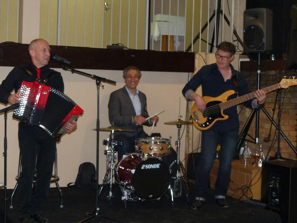 Concert au bar des Aveilles