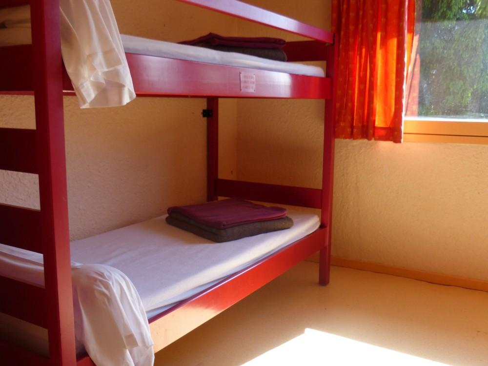 La chambre avec les lits superposés