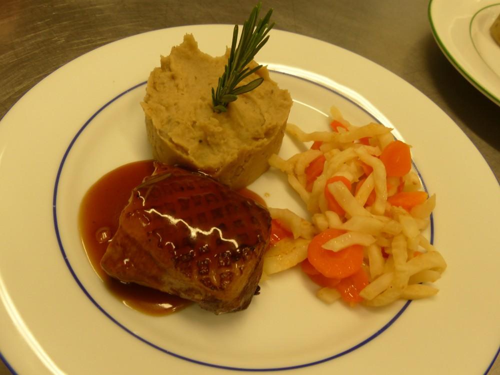 Plat servi aux Aveilles restaurant en Isère.